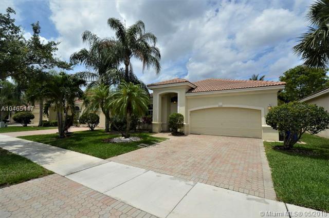 6081 SW 195th Ave, Pembroke Pines, FL 33332 (MLS #A10465117) :: Green Realty Properties