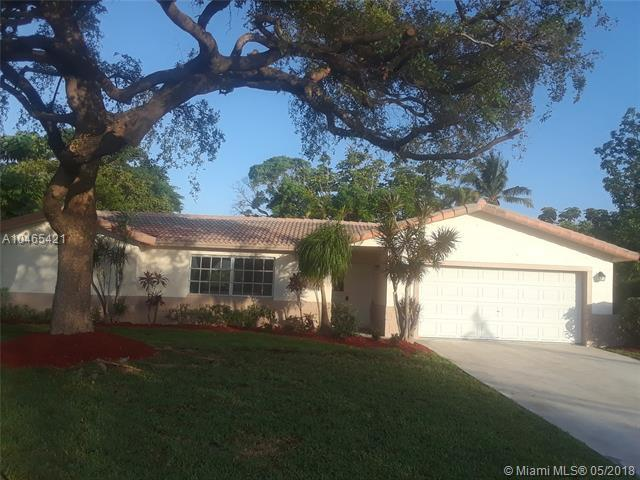 3606 NW 82nd Ave, Coral Springs, FL 33065 (MLS #A10465421) :: Stanley Rosen Group