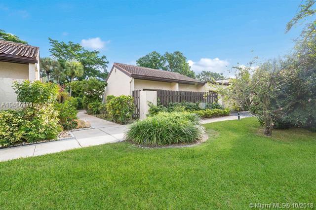 21888 Cypress Cir, Boca Raton, FL 33433 (MLS #A10466271) :: Green Realty Properties