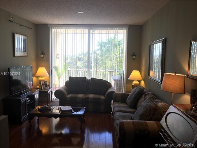 9805 NW 52nd St #506, Doral, FL 33178 (MLS #A10467324) :: Green Realty Properties