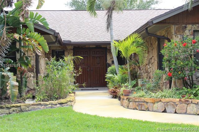 346 NE Ficus Ter, Jensen Beach, FL 34957 (MLS #A10467651) :: Calibre International Realty
