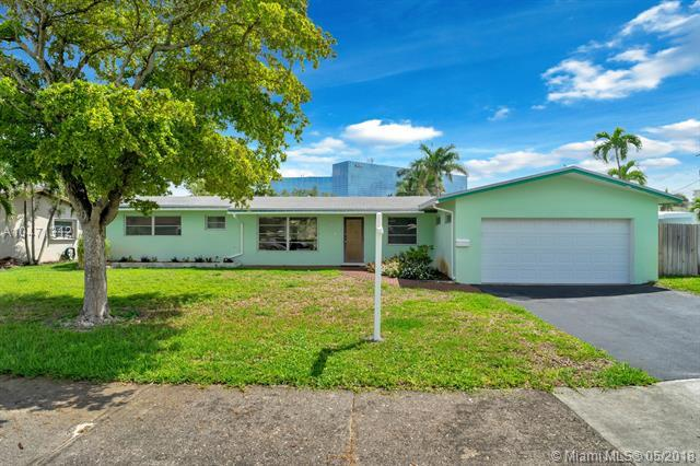 3842 N Cir Dr, Hollywood, FL 33021 (MLS #A10471312) :: Green Realty Properties