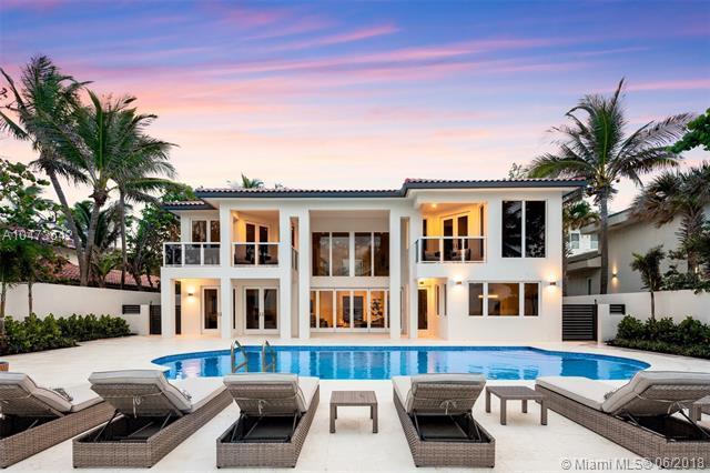 667 Ocean Blvd, Golden Beach, FL 33160 (MLS #A10473642) :: Keller Williams Elite Properties