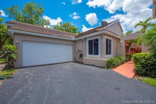 10160 NW 5th St, Plantation, FL 33324 (MLS #A10474713) :: The Chenore Real Estate Group