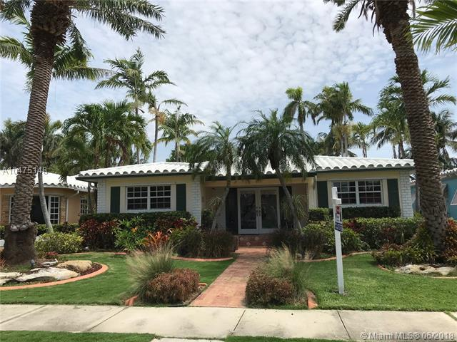 847 Tyler St, Hollywood, FL 33019 (MLS #A10475148) :: Calibre International Realty