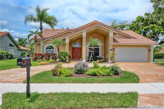 4970 NW 104th Ave, Coral Springs, FL 33076 (MLS #A10476439) :: Green Realty Properties