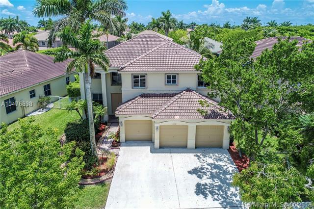 622 Nandina Dr, Weston, FL 33327 (MLS #A10476638) :: The Teri Arbogast Team at Keller Williams Partners SW