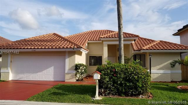 11740 SW 9th Ct, Pembroke Pines, FL 33025 (MLS #A10477482) :: Green Realty Properties
