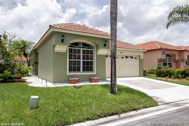 2101 Bonisle Circle, Riviera Beach, FL 33418 (MLS #A10478518) :: Green Realty Properties