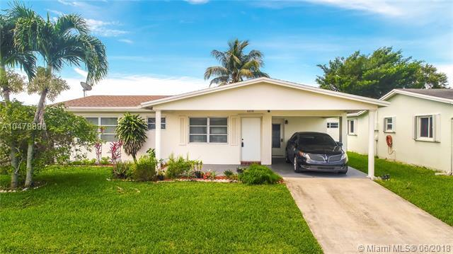 6950 NW 11th Ct, Margate, FL 33063 (MLS #A10478898) :: Green Realty Properties