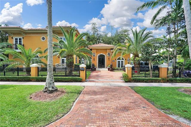 1224 Almeria Ave, Coral Gables, FL 33134 (MLS #A10480249) :: The Riley Smith Group
