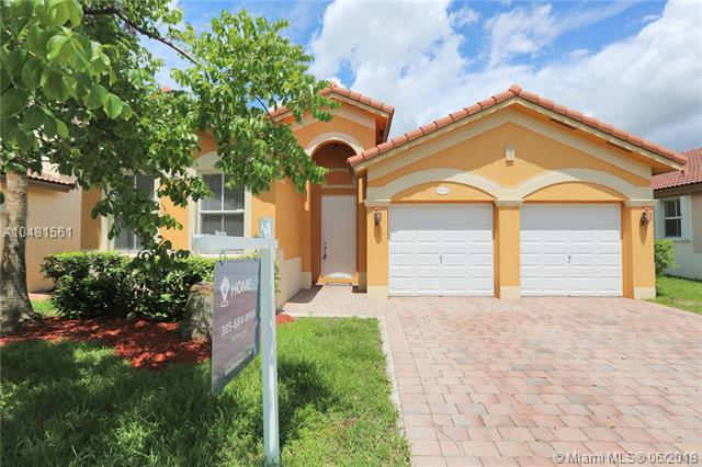 9210 SW 153 Passage, Kendall, FL 33196 (MLS #A10481561) :: The Erice Group
