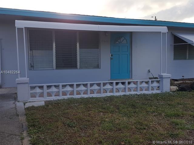 4220 NE 11th Ave, Pompano Beach, FL 33064 (MLS #A10482264) :: Calibre International Realty
