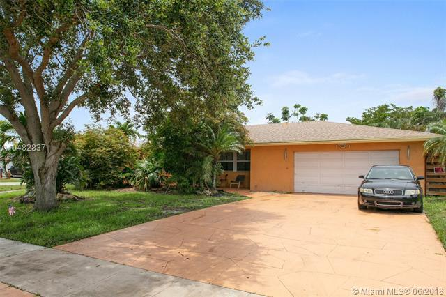 1379 SE 3rd Ter, Deerfield Beach, FL 33441 (MLS #A10482837) :: Prestige Realty Group