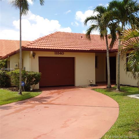 11340 SW 8th Pl, Pembroke Pines, FL 33025 (MLS #A10483181) :: Calibre International Realty