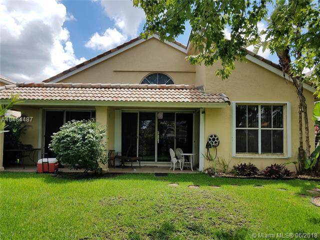 1240 NW 184th Pl, Pembroke Pines, FL 33029 (MLS #A10484487) :: Calibre International Realty