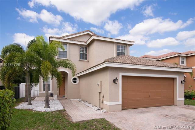 16386 SW 27th St, Miramar, FL 33027 (MLS #A10484729) :: Green Realty Properties