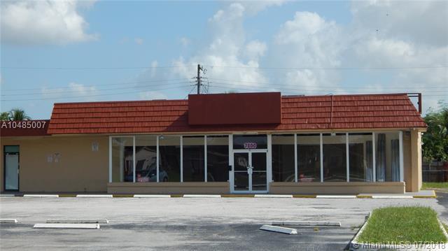 7800 Davie Ext Rd, Davie, FL 33024 (MLS #A10485007) :: The Riley Smith Group