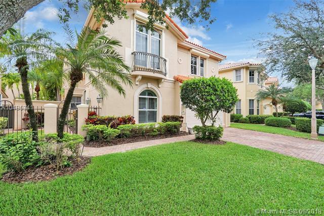 1456 Breakwater Ter, Hollywood, FL 33019 (MLS #A10485341) :: Green Realty Properties