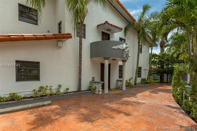 210 NE 107th St, Miami Shores, FL 33161 (MLS #A10485745) :: Calibre International Realty