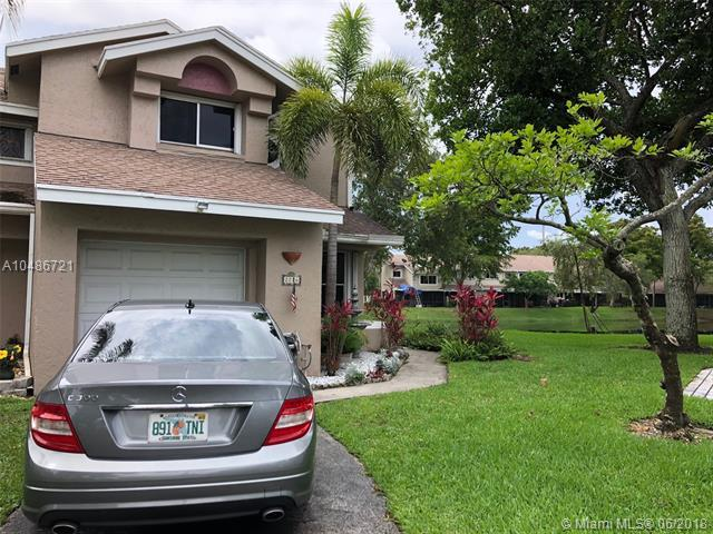 2226 W Discovery Cir W #2226, Deerfield Beach, FL 33442 (MLS #A10486721) :: Prestige Realty Group