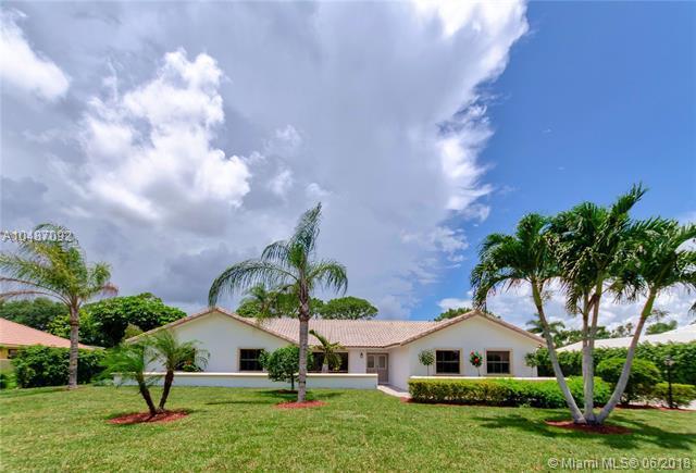 4507 Pine Tree Dr, Boynton Beach, FL 33436 (MLS #A10487092) :: The Teri Arbogast Team at Keller Williams Partners SW