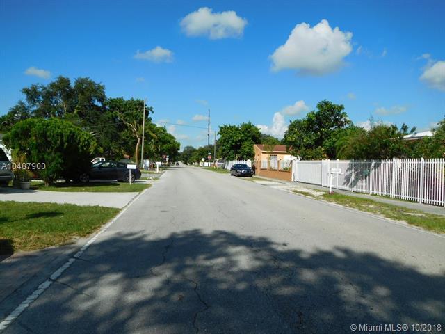 1440 NE 149th St, North Miami, FL 33161 (MLS #A10487900) :: The Jack Coden Group