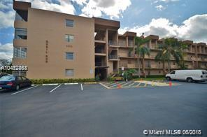3048 E Sunrise Lakes Dr E #310, Sunrise, FL 33322 (MLS #A10489464) :: Green Realty Properties