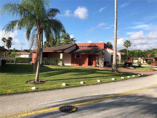 7839 Beechfern Cir, Tamarac, FL 33321 (MLS #A10490489) :: Prestige Realty Group