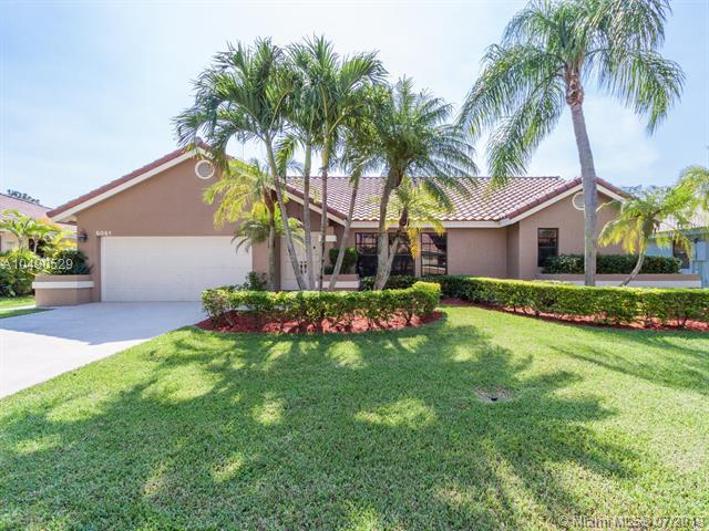 5051 NW 58th Ter, Coral Springs, FL 33067 (MLS #A10490529) :: The Teri Arbogast Team at Keller Williams Partners SW