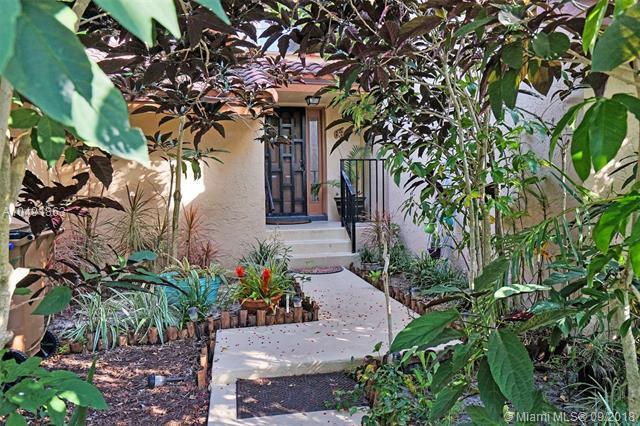 636 Edgewater Dr #636, Deerfield Beach, FL 33442 (MLS #A10491863) :: Green Realty Properties
