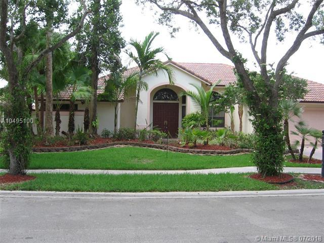 1048 Poplar Cir, Weston, FL 33326 (MLS #A10495100) :: Green Realty Properties