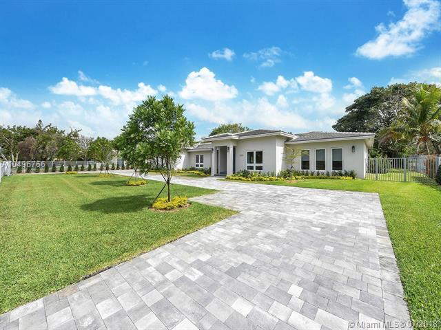 12825 SW 62 Avenue, Pinecrest, FL 33156 (MLS #A10496766) :: The Riley Smith Group