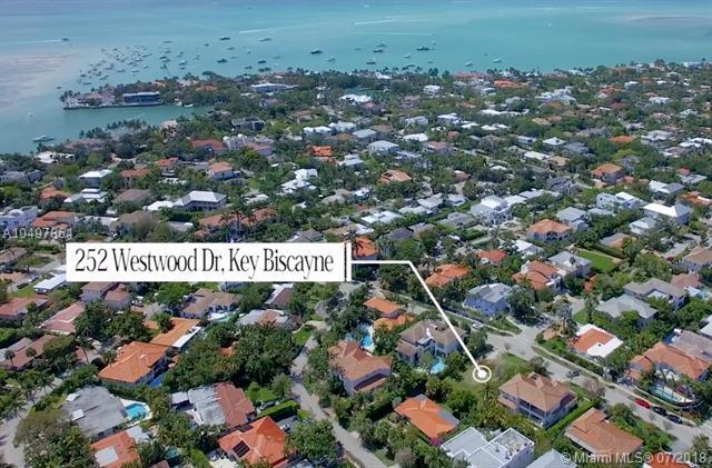 252 Westwood Dr, Key Biscayne, FL 33149 (MLS #A10497864) :: The Teri Arbogast Team at Keller Williams Partners SW