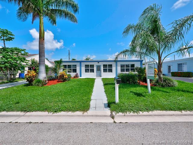 2031 S Suzanne Cir, North Palm Beach, FL 33408 (MLS #A10499370) :: Stanley Rosen Group