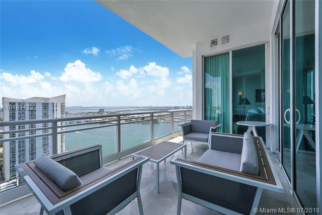 900 Brickell Key Blvd. #3302, Miami, FL 33131 (MLS #A10499423) :: Green Realty Properties