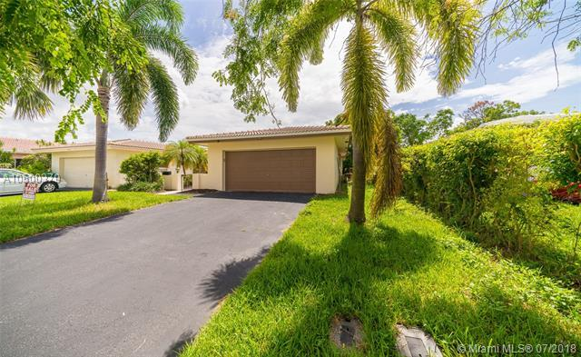 3817 NW 84th Ave, Coral Springs, FL 33065 (MLS #A10500379) :: Laurie Finkelstein Reader Team