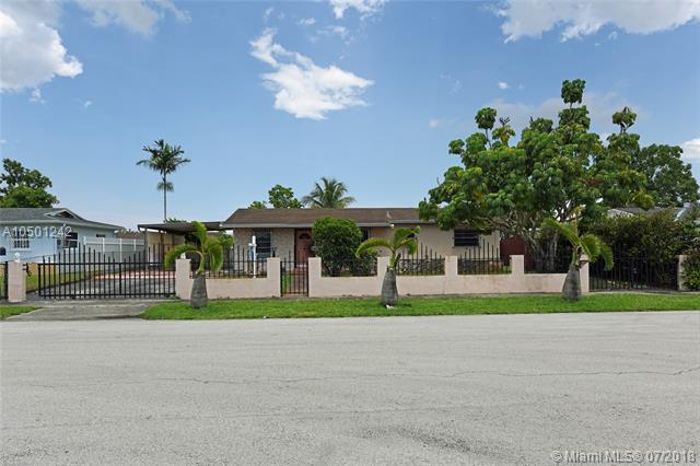 19801 NW 44th Pl, Miami Gardens, FL 33055 (MLS #A10501242) :: The Teri Arbogast Team at Keller Williams Partners SW