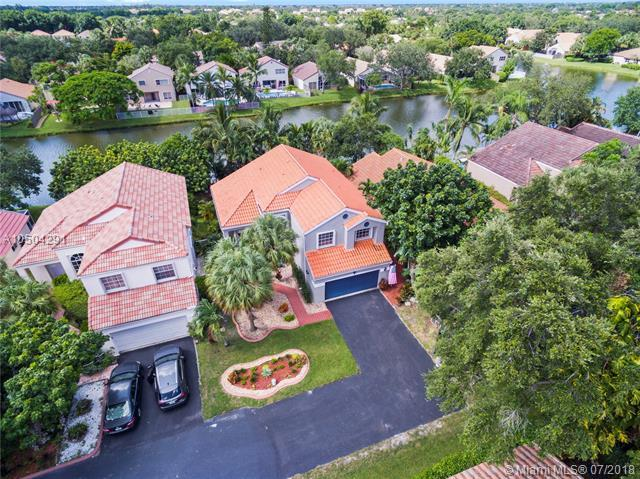 1030 NW 108th Ave, Plantation, FL 33322 (MLS #A10504291) :: Green Realty Properties