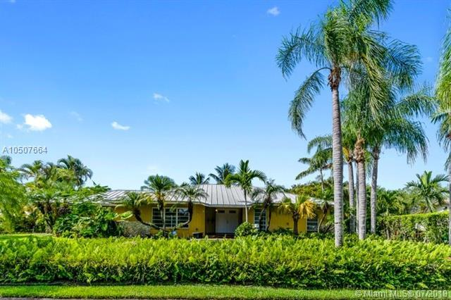 8400 SW 178th St, Palmetto Bay, FL 33157 (MLS #A10507664) :: The Erice Group