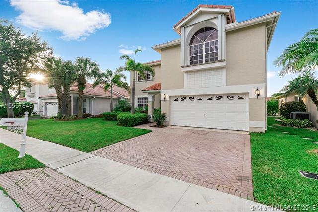 2525 NW 79th Ave, Margate, FL 33063 (MLS #A10507846) :: The Teri Arbogast Team at Keller Williams Partners SW