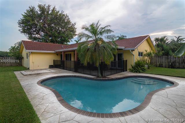 1400 NW 14th Ave, Boca Raton, FL 33486 (MLS #A10508819) :: Green Realty Properties