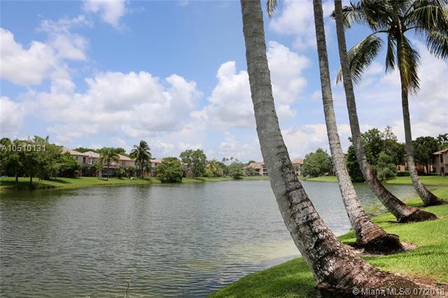 10630 NW 14th St #111, Plantation, FL 33322 (MLS #A10510131) :: Green Realty Properties