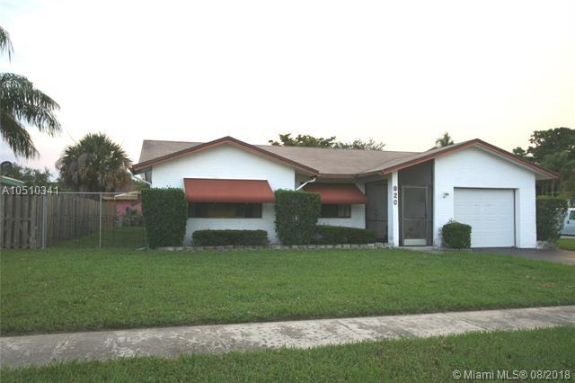 920 NW 48th Ave, Coconut Creek, FL 33063 (MLS #A10510341) :: Stanley Rosen Group