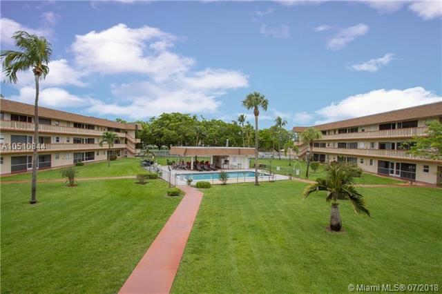 5300 Washington St M109, Hollywood, FL 33021 (MLS #A10510844) :: Green Realty Properties