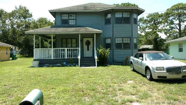 1703 N 43rd St, Fort Pierce, FL 34947 (MLS #A10510958) :: Green Realty Properties