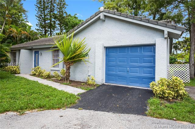 1306 NW 91st Ave, Coral Springs, FL 33071 (MLS #A10511681) :: Laurie Finkelstein Reader Team