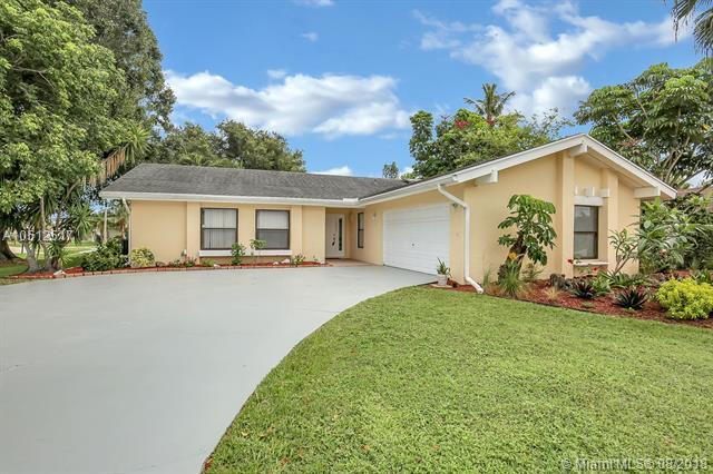 12245 S Old Country, Wellington, FL 33414 (MLS #A10512517) :: Hergenrother Realty Group Miami