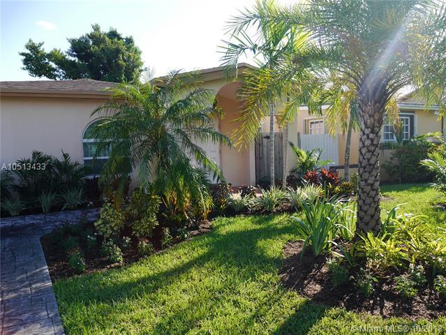 6356 SW 32nd St, Miami, FL 33155 (MLS #A10513433) :: Carole Smith Real Estate Team