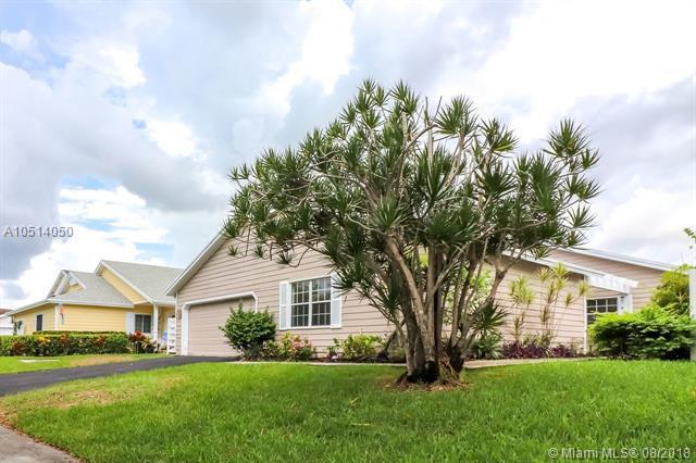 14928 SW 143rd Pl, Miami, FL 33186 (MLS #A10514050) :: Green Realty Properties